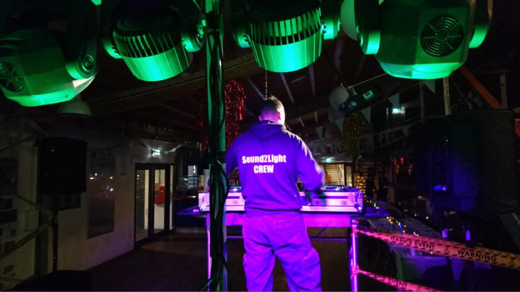 feestverlichting huren Movingheads Lichtshow Huren Party Verlichting Amsterdam Zaanstreek Sound2Light
